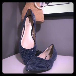 Shoes - J Jess leather snakeskin look embossed flats sz 8